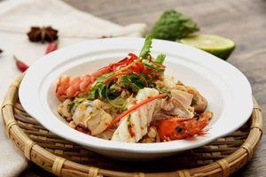 Đây là cơ hội thưởng thức hầu hết món ăn đường phố trứ danh của Thái Lan ngay tại Sài Gòn