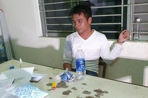 'Cõng' gần 1.000 viên thuốc lắc về Đà Nẵng để làm 'đại lý' phân phối