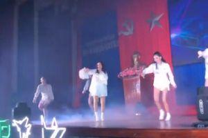 Đông Nhi vác bụng bầu 5 tháng nhảy 'Bad boy' cực sung