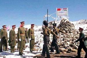 Thế giới tìm cách tháo 'ngòi nổ' Trung-Ấn