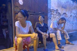 Hà Nội: Xóm chạy thận những buổi chiều hè