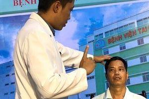 Người đàn ông bị khối u suýt 'ăn'mất con mắt