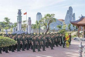 Đảng bộ BĐBP Quảng Bình dâng hương và báo công tại đền thờ Bác Hồ