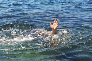 Đi tắm sông Đà, một học sinh bị đuối nước tử vong
