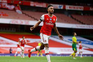 Aubameyang lập cú đúp, Arsenal thắng 'bốn sao'