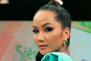 Hoa hậu H'Hen Niê hóa thân thành công chúa Jasmine, lần đầu thử múa lụa