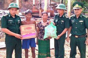Cứu trợ người dân bị hỏa hoạn ổn định cuộc sống