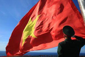 Trang nghiêm Lễ thượng cờ trên đảo Lý Sơn