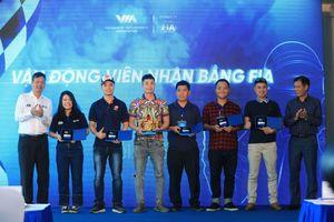 Những tay đua đầu tiên của Việt Nam nhận bằng đua xe quốc tế