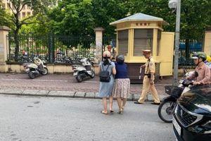 Công an Hà Nội thông tin vụ CSGT bị tố kéo cô gái đi xe máy ngã ra đường