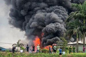 Vụ cháy hóa chất ở Long Biên: Hóa chất độc hại vượt ngưỡng 17 lần
