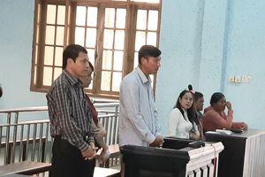 Chánh văn phòng UBND huyện ký 'bậy' bị phạt 30 triệu đồng