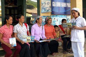Bảo vệ quyền và sức khỏe của phụ nữ, trẻ em gái