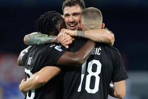Cầm hòa Napoli 2-2, AC Milan tiếp tục nuôi hy vọng dự Europa League