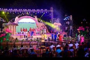 Người Hội An giao lưu giới thiệu văn hóa truyền thống với người miền Tây Nam Bộ