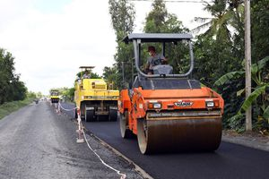 Tăng tốc thảm nhựa tuyến Quản Lộ-Phụng Hiệp, rút ngắn 50 km đường xuyên miền Tây