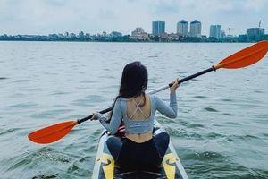 Hà Nội: Chèo thuyền SUP Hồ Tây không mới nhưng lạ, bạn đã thử chưa?