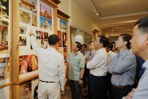 Bộ trưởng BNN&PTNN Nguyễn Xuân Cường thăm công ty Trầm hương Khánh Hòa