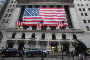 Kiếm bộn từ cổ phiếu, nhà giàu thế giới giờ đầu tư vào đâu?