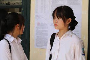 Thí sinh Hà Nội thoải mái bước vào ngày thi thứ hai thi tuyển lớp 10 công lập