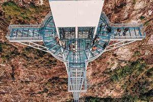 Đến Sa Pa trải nghiệm cầu kính Rồng Mây cao nhất Việt Nam