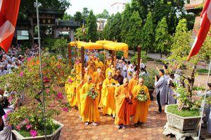Trưởng lão HT.Thích Trí Quảng thăm Phật giáo Huế