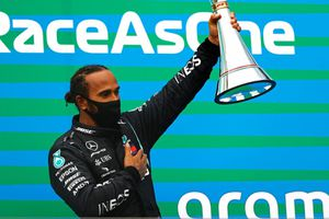 Lewis Hamilton giành chiến thắng F1 Hungarian Grand Prix