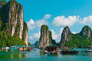 Khách du lịch đến Quảng Ninh đông kỷ lục, nguyên nhân do đâu?