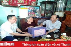 Trưởng Ban Tuyên giáo Tỉnh ủy Nguyễn Văn Phát thăm gia đình chính sách tại các huyện Nông Cống, Thạch Thành