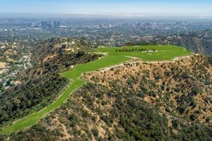 Khu đất chào bán giá 1 tỷ USD từng được Jeff Bezos để mắt