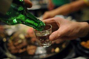 2 phó giám đốc Sở uống rượu bia khi giãn cách xã hội bị kỷ luật cảnh cáo