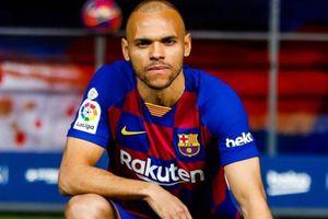 Thương vụ Braithwaite phơi bày sự ngớ ngẩn của Barca