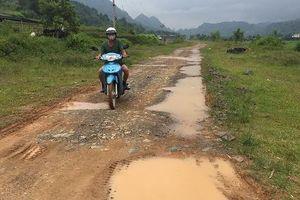 Cao Bằng: Gần 10 năm không làm xong 3 km đường