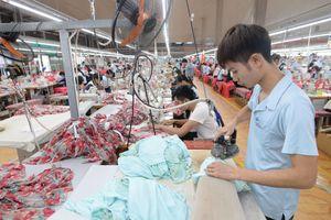 Khách hàng Mỹ phá sản, doanh nghiệp Việt ra sao?