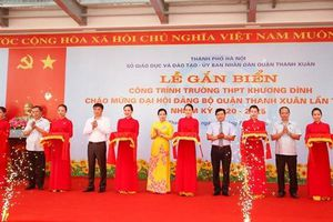 Hà Nội: Gắn biển công trình trường học hiện đại tại quận Thanh Xuân