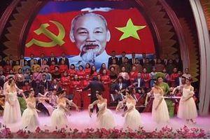 Thi tuyên truyền lưu động 'Vinh quang non sông Việt Nam'