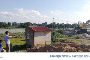 Nhiều tuyến đê ở Bắc Giang đang ngày đêm 'oằn lưng' cõng xe tải 40 tấn