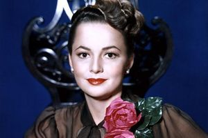 Cuộc đời nữ minh tinh cuối cùng của 'thời kỳ hoàng kim Hollywood' Olivia de Havilland