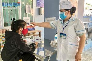 Nhiều người dân đi Đà Nẵng về tự giác khai báo y tế
