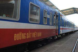 Đường sắt tạm ngừng chạy đôi tàu khách SE11/SE12 Hà Nội - Sài Gòn