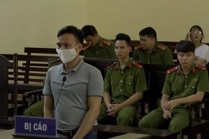 Phạt nguyên Chánh Văn phòng TAND huyện Cao Phong 30 tháng tù treo