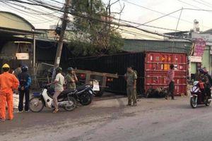 Video tai nạn giao thông ngày 29/7: Người phụ nữ bị xe container đè tử vong