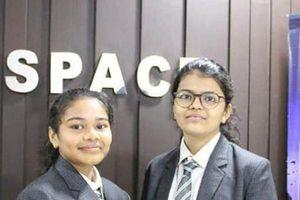 2 nữ sinh Ấn Độ phát hiện tiểu hành tinh di chuyển hướng về Trái đất