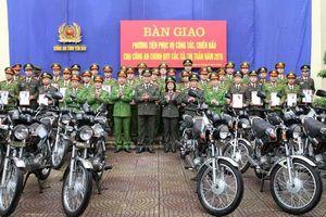 Công an tỉnh Nghệ An chi hơn 9 tỷ đồng mua mô tô trang bị cho công an xã