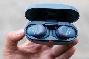 Đánh giá nhanh Sony WF-SP800N: Pin 17 tiếng, chống ồn, giá 4,8 triệu