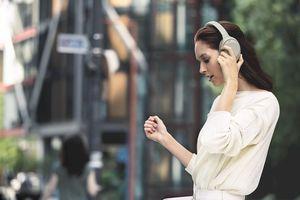 Video quảng cáo tai nghe Sony WH-1000XM4 bị rò rỉ trước khi ra mắt
