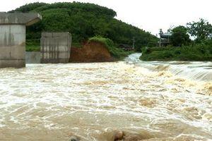 Mưa lớn cô lập 4 xã huyện Tân Sơn, Phú Thọ