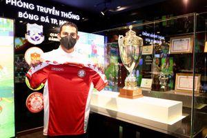 CLB TP.HCM thay ngoại binh như thay áo, lập kỷ lục khó tin ở V-League