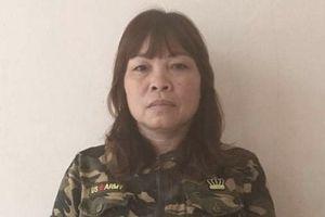 Áp giải nữ quái trốn truy nã về tội đánh bạc từ Đồng Nai về Nghệ An