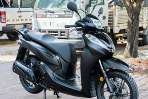 Chi tiết Honda SH 300i Total Black Edition vừa về Việt Nam, giá hơn 300 triệu
